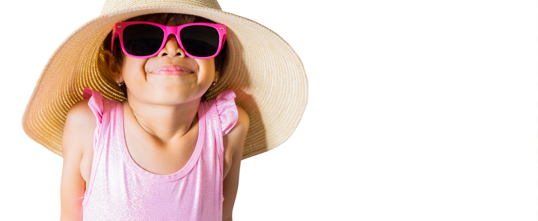 little girl with a wide brimmed hat on and sunglasses over her eyes